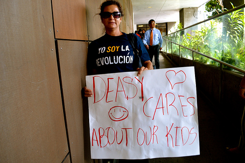 Parents rally in support of Superintendent Deasy.  |  Brianna Sacks