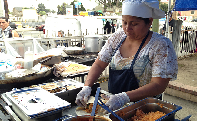 Felipa Mayo cooks on the street in South L.A. | Daina Beth Solomon